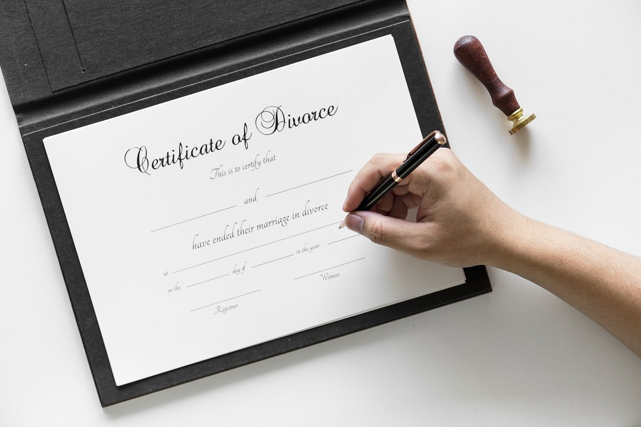 10 Things to Consider When Choosing a Family Lawyer